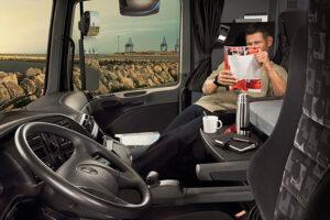 Il Pacchetto Mobilità prevede che il riposo settimanale non possa più essere svolto all'interno della cabina del camion.