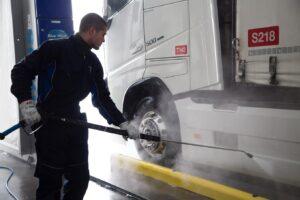 Pulire il camion